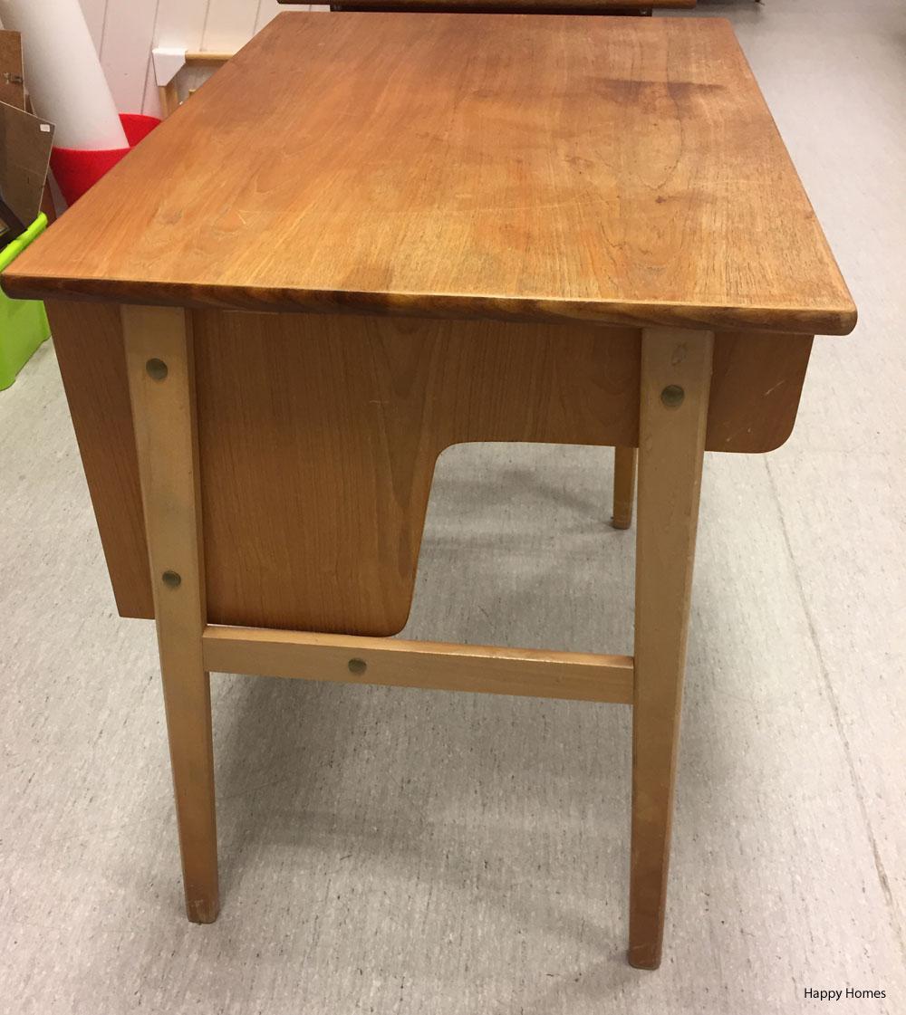 Oppussing av gammelt slitt skrivebord