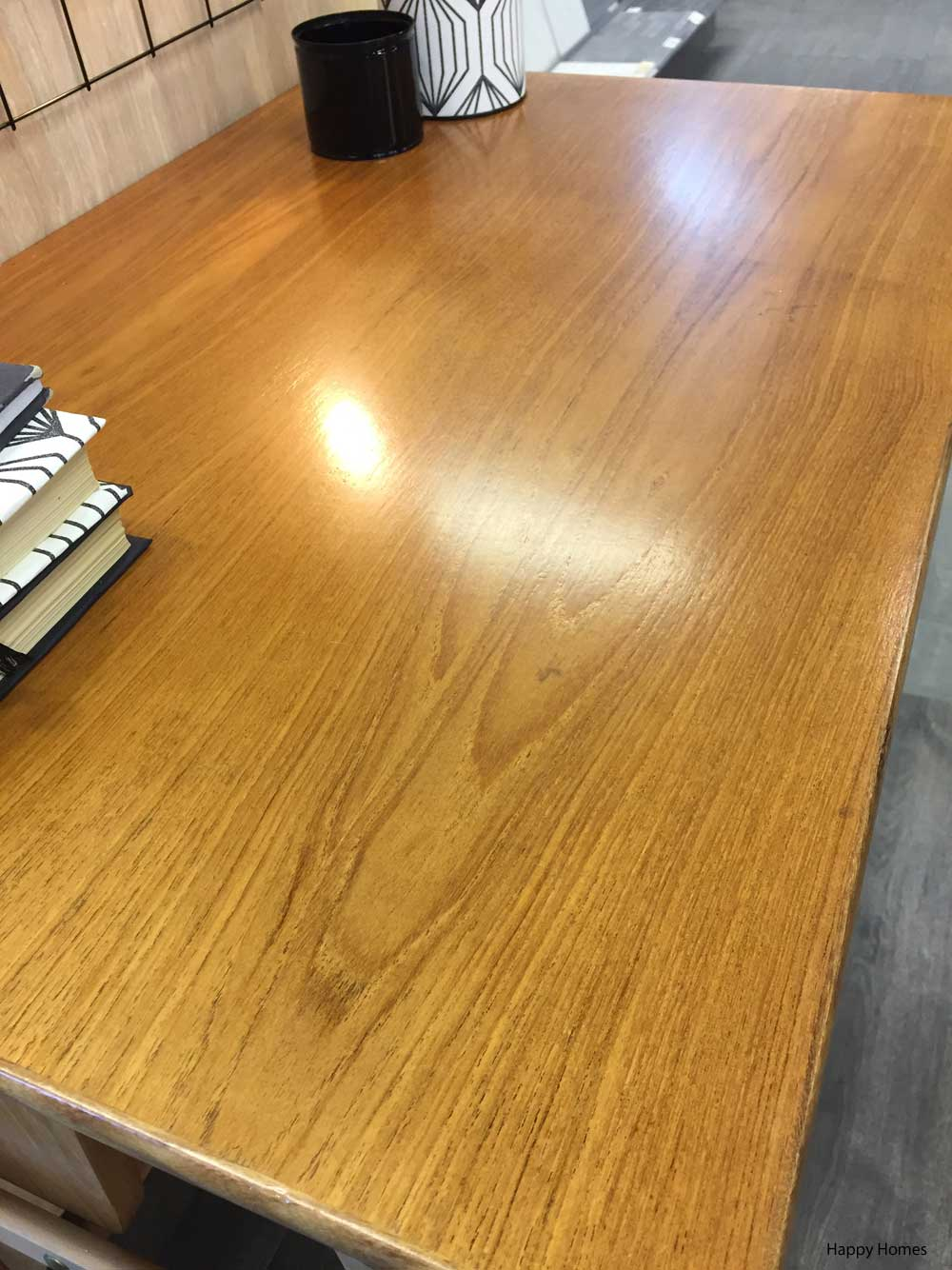Oppussing av gammelt skrivebord